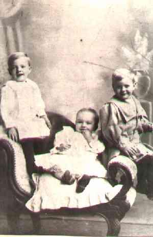 Arthur&Cylil&Mourice@~1907.jpg (12174 bytes)