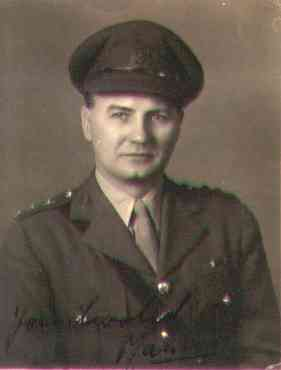 MauriceWeller@1944.jpg (5611 bytes)